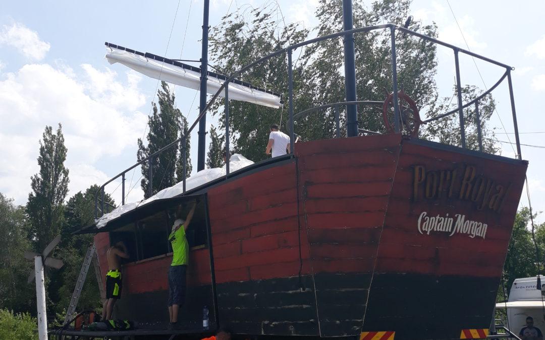Provedení kontroly svařované konstrukce nadstavby korby nákladního vozidla Tatra (loď Captain Morgan) včetně vizuální kontroly svarů: